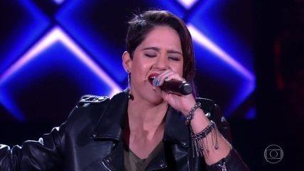 "Catarina Rosa canta ""The Show Must Go On"""