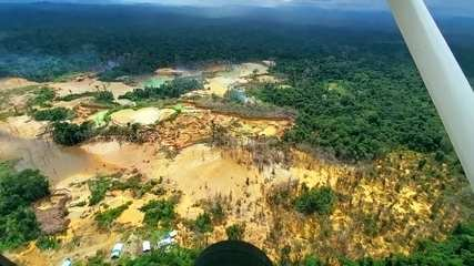 O avanço do garimpo ilegal na maior reserva indígena do Brasil