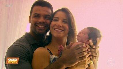 Pequeno Caetano é a alegria dos pais Joanna Maranhão e Luciano Corrêa