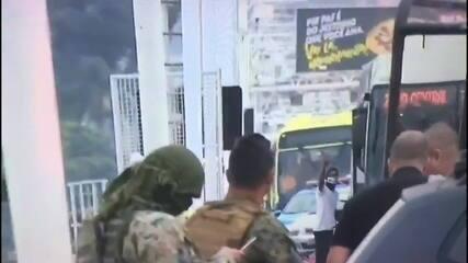 Especialista comenta trabalho de policial de elite em caso de sequestro de ônibus