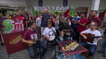 """""""Cafezinho com Escobar"""" vai ás ruas para debater vitória do Flamengo em clássico e queda de Fernando Diniz"""
