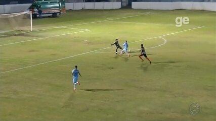 O gol que Pelé não fez: jogo da 4ª divisão de SP tem reprodução de lance épico da Copa de