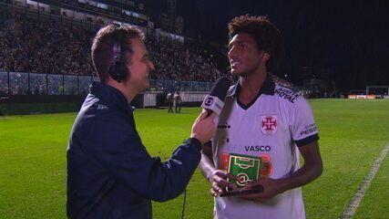 """Eleito craque do jogo, Talles Magno comemora primeiro gol como profissional e elogia torcida do Vasco: """"Maravilhosa"""""""