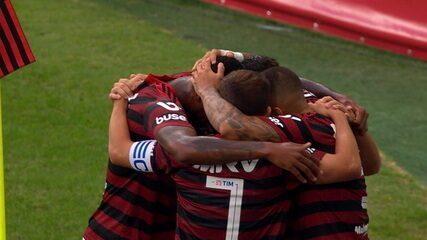 Gol do Flamengo! Bruno Henrique toca para Arrascaeta, que manda para Gabigol marcar por cima do goleiro, aos 10' do 1º tempo