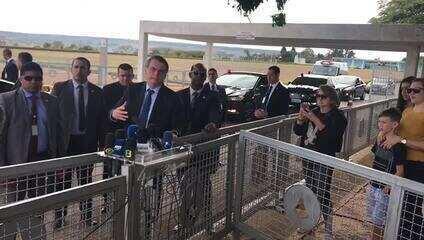Bolsonaro afirmou que vai assinar indulto para beneficiar policiais presos injustamente