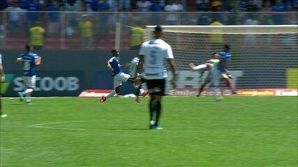 Central do Apito: Salvio Espíndola diz que árbitro não marcou pênalti a favor do Grêmio contra o Cruzeiro