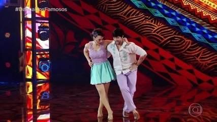 Regiane Alves dança forró com Reginaldo Sama