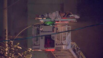 Paciente é resgatado do Hospital Badim através de escada dos bombeiros
