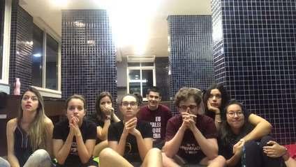 Amigos de Mobi Colombo vibram com a permanência da paranaense no 'The Voice Brasil'