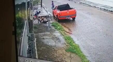 Homem é atacado com golpes de faca ao cobrar dívidas em Boa Vista