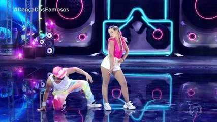 Giovanna Lancellotti dança funk com Danniel Navarro