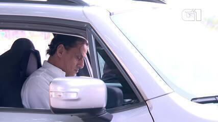 Bolsonaro recebe advogado do filho Flávio fora da agenda oficial