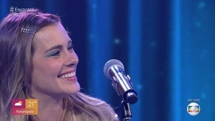 Carolina Dieckmann canta 'Depois do Prazer'
