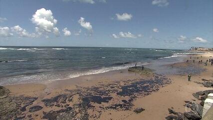 Manchas de óleo atingem praias de Morro de São Paulo, Boipeba e Garapuá, na Bahia