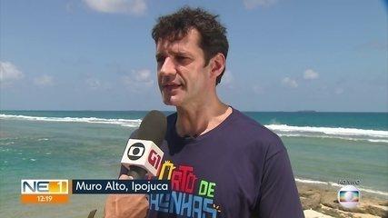 'Praias estão limpas', diz ministro do Turismo em visita a Pernambuco