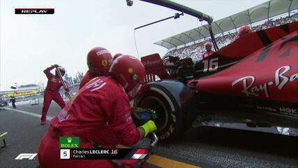 Leclerc faz sua segunda parada nos boxes e tem problema em uma das rodas