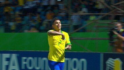 """Gol do Brasil! Gabriel Veron amplia na velocidade, aos 31"""" do 2º tempo"""
