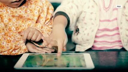 Novo estudo alerta para exposição de crianças a telas de equipamentos eletrônicos