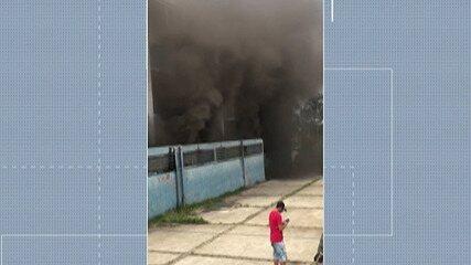 Incêndio em depósito de escola de Suzano assusta alunos e funcionários