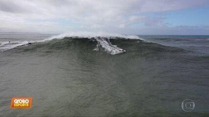 Pedro Scooby passa sufoco ao cair de onda gigante em Portugal; assista
