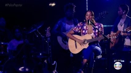 Yara Charry canta 'Coração Vagabundo'