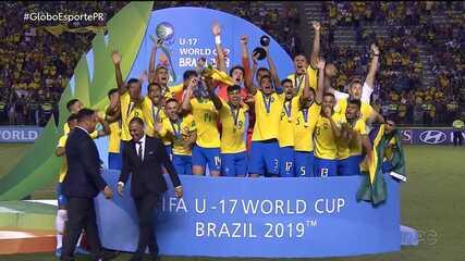 Meninos da dupla Atletiba comemoram título mundial sub-17
