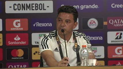 "Gallardo interrompe pergunta sobre favoritismo do Flamengo: ""Somos candidatos"""