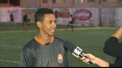 Atleta de escolinha de futebol de Campina Grande foi selecionado para bolsa de intercâmbio