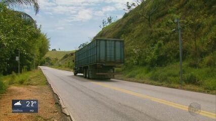 Três novos radares passam a multar na BR-290 entre Pouso Alegre e Jacutinga