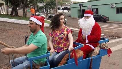Michelly Correa conhece o clima natalino de Enéas Marques