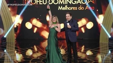 Glamour Garcia ganha o troféu de atriz revelação