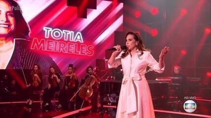 Totia Meireles canta 'Sangrando'