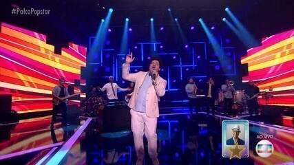 Robson Nunes canta 'Vesti Azul'
