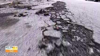 Temporada de chuvas prejudica o asfalto