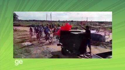 Grupo de ciclistas distribui brinquedos a crianças do Cantá, RR