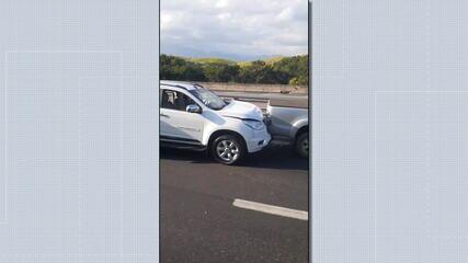 Batida entre seis veículos aconteceu no km 294, no sentido Rio de Janeiro