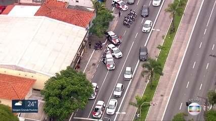 Perseguição policial termina com 2 baleados na Zona Sul