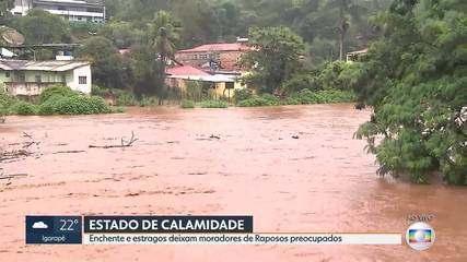 Enchente causa estragos em Raposos, na Grande BH