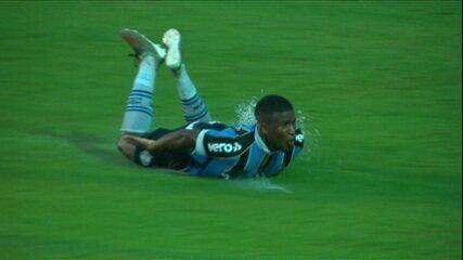 Elias, do Grêmio, leva o Prêmio Dener da Copinha 2020