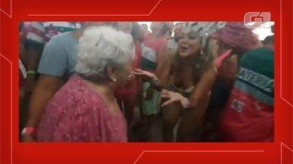 Aos 88 anos, vovó pede para 'cair no samba'; vídeo: 'Casei com homem machista e fiquei mui
