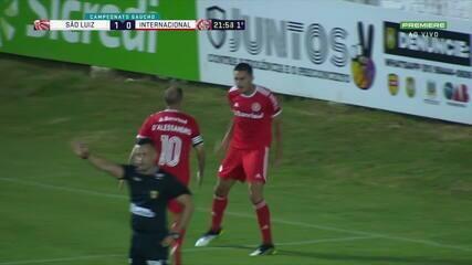 GOL DO INTER! Thiago Galhardo aproveita falha e empata aos 21' do 1T