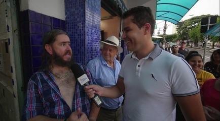 """Pedro Leonardo conhece """"Chico da Tiana"""" que é sucesso nas redes sociais"""