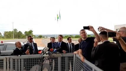 Coronavírus: presidente Jair Bolsonaro diz que militares também passarão por quarentena