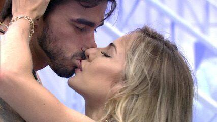 Gabi e Guilherme se beijam em Festa do Líder: 'Consegui me apaixonar por você'