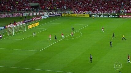 Internacional elimina Universidad de Chile e está na terceira fase da Libertadores
