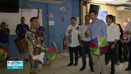 Ministro do Turismo conhece principais pontos do carnaval do estado