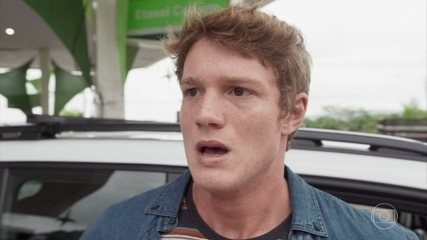Filipe se desespera com o desaparecimento de Rita