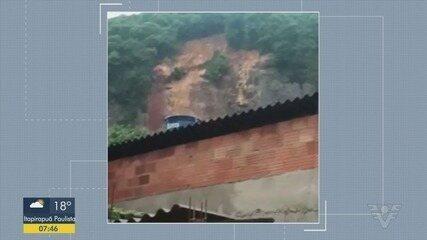Mulher de 30 anos morre em deslizamento no Morro do Tetéu, em Santos