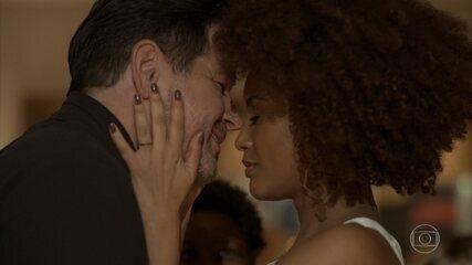 Raul e Vitória se casam