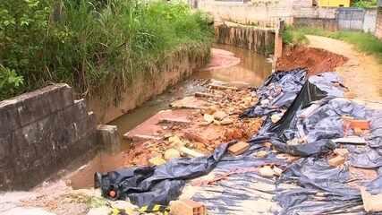 Moradores reclamam de situação causada pelas chuvas em Botujuru